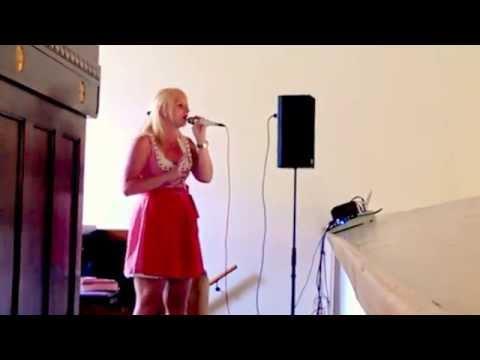 Beispiel: Hochzeitssängerin Elly Syring - Ja, Video: Elly Syring.