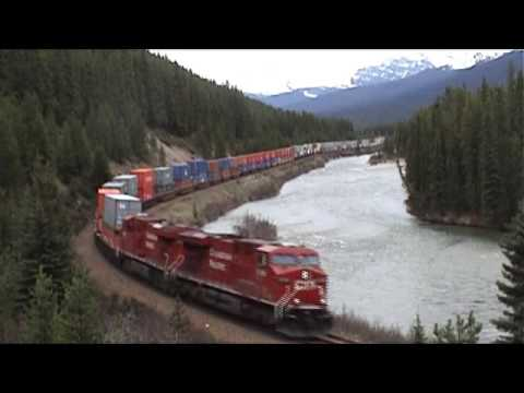 We explored wonderfull Bow River Valley between Banff and Lake Louise in May 2008 and discovered some trains and a black bear.