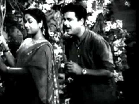 Kalathur Kannamma   Aadatha Manamum video