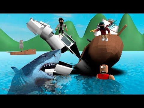 Ужасная акула сьела лодку и людей Массовая охота на акул РОБЛОКС ШАРК  Как я стал акулой Мульт игра