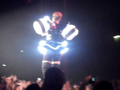 Rihanna Concert - Live At Glasgow Secc - tina rankine :D! xxx thumbnail