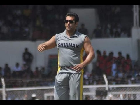 Salman Khan Plays Cricket For Charity video