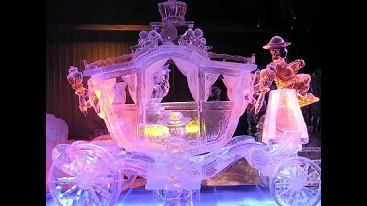Volvemos a conectar con China para admirar las esculturas de hielo más bellas que podemos encontrar por allí, en medio de la calle.
