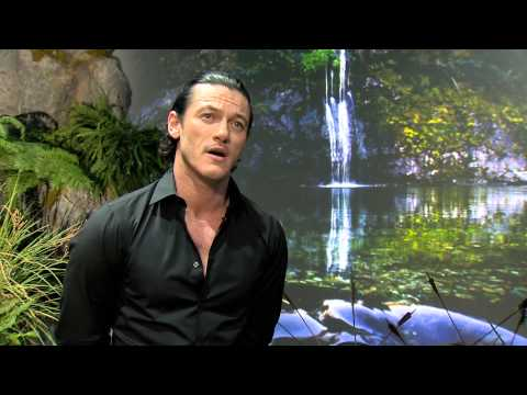 The Hobbit  cast talk about New Zealand