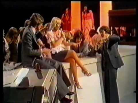 Kinks - Nine to Five