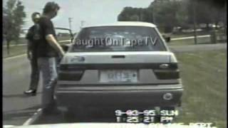 MAN GOES NUTS DURING TRAFFIC STOP!