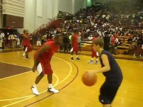 Justin Bieber v.s Chris Paul {Celebrity Basketball Game} (LUDA DAY WEEKEND)