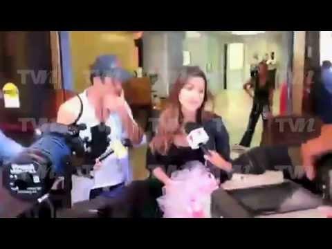 Primeras imágenes de Aarón Díaz y Lola Ponce al salir del hospital