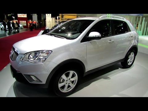 2013 Ssang Yong Korando - Exterior and Interior Walkaround - 2012 Paris Auto Show
