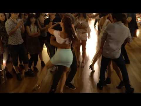 Zouk SEA 2016 Social Dances  Larissa and Carlos 2 ~ video by Zouk Soul