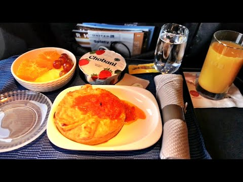 United Airlines First - HIT or MISS? Boeing 737-800 First Class Review