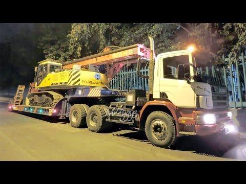 HET Heavy Equipment Transport Loading Hauling Unloading SANY Drilling Rig Excavator