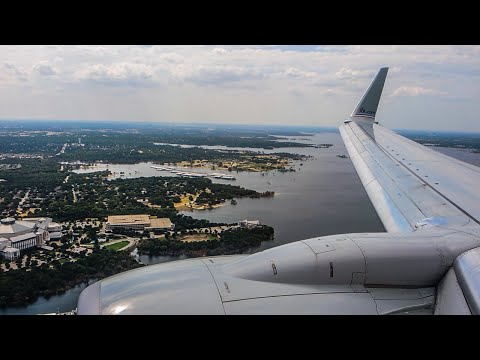 American Airlines Boeing 737 Landing at Dallas Fort Worth