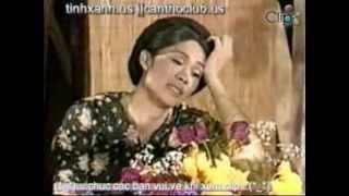 Hoài Linh làm gái... bán hoa