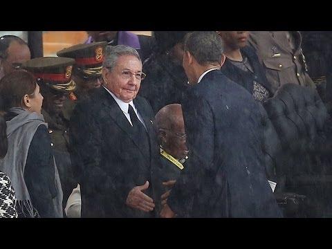 Reacciones a saludo histórico entre Barack Obama y Raúl Castro -- Noticiero Univisión