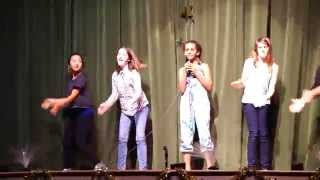 Video 10 years old singing Pharrell