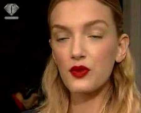 fashiontv | FTV.com - FIRST FACE LILY DONALDSON S/S 2006
