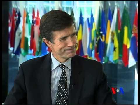 Assistant Secretary Robert Blake talks to Navbahor Imamova, VOA Uzbek, 8-21-12