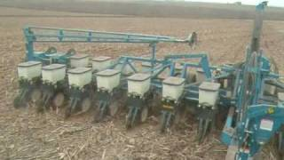 2009 - Planting Soybeans in Iowa