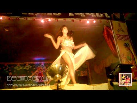 Hot Item Bomb Karishma In Shobha Samrat Theater At Sonepur Mela 2014 । करिश्मा सोनपुर मेला 2014 video