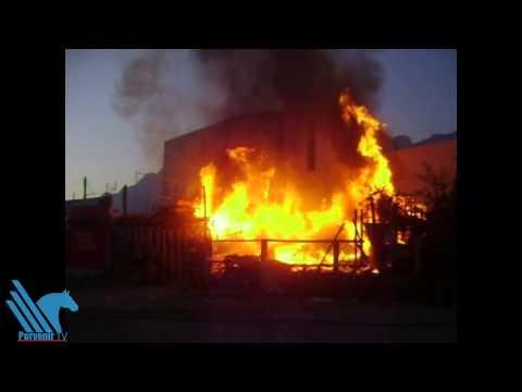 Consume incendio tarimas en Santa Catarina
