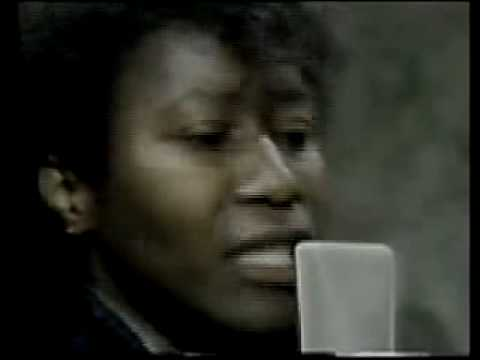 Joan Armatrading - Willow (Live in the Studio) Video