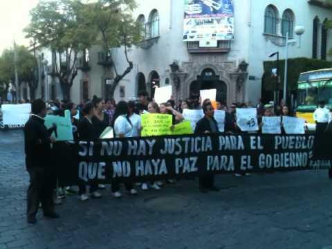 EF-NOTICIAS: LA MARCHA DE SOLIDARIDAD CON AYOTZINAPA EN TEHUACAN EL 20 DE NOVIEMBRE DE 2014.