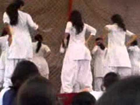 Collage girl dance (Sialkot).wmv