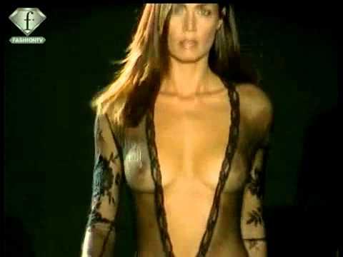 Fashiontv   Ftv Com   Momi Intimo   La Perla Lingerie Fem Pe 2002 video