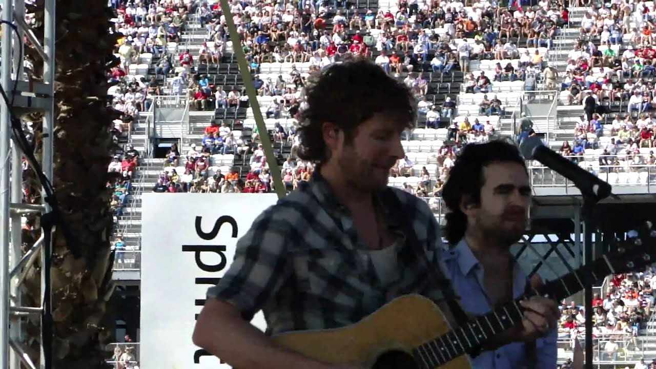 dierks bentley sideways nascar style at daytona 500 2011. Cars Review. Best American Auto & Cars Review