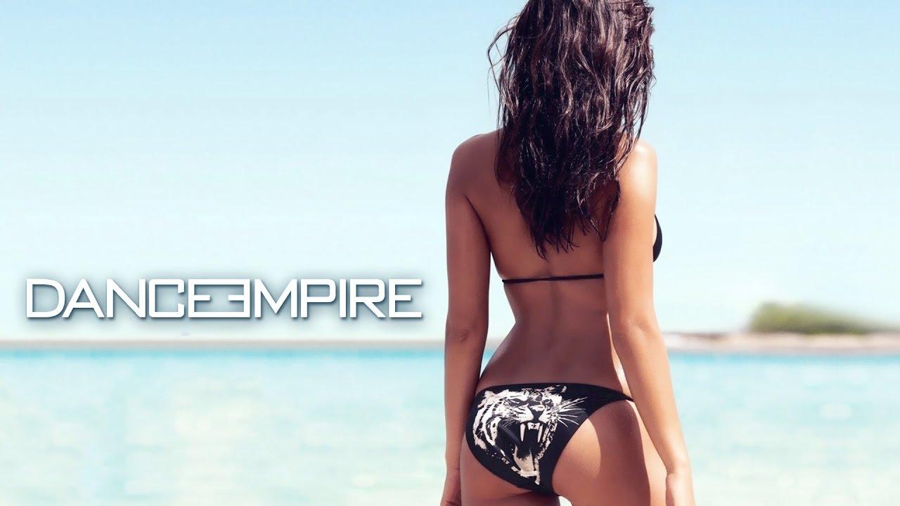 Фото красивых девушек на пляже но со спины