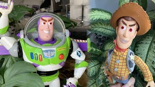 Toy Story 4 Woody and Buzz FIGHT