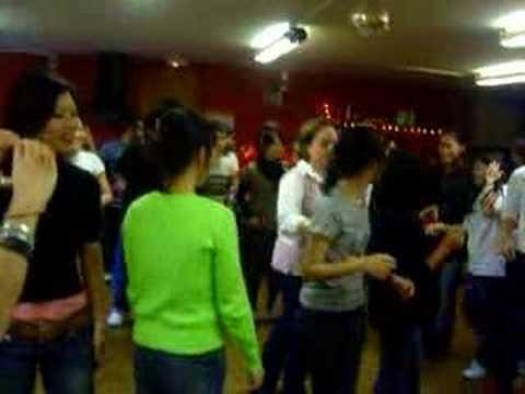 Cómo se baila la cumbia
