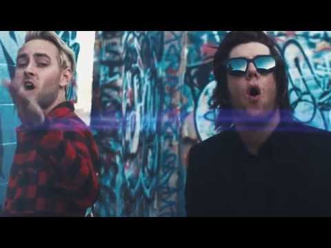 Breathe Carolina - Chasing Hearts (Feat. Tyler Carter)