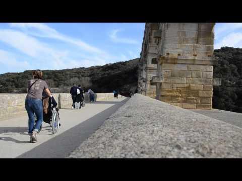 À TRAVERS UN REGARD 7 Mars 2015 NÎMES Site du Pont du Gard