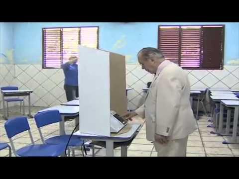 Sarney vota em Aécio (Política no Face)