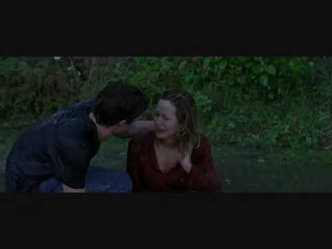 Kiss Scene - Entre Mujeres (In The Land Of Women)