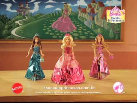 Barbie Escola de Princesas Blair Looks Mágicos