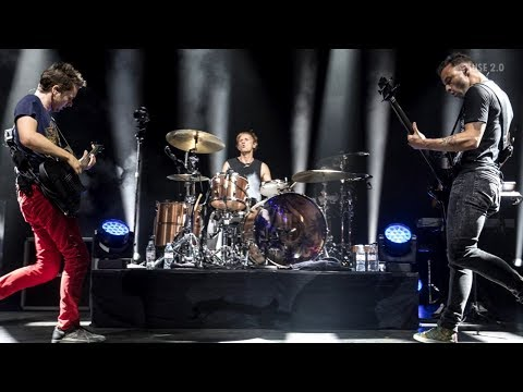 Muse - Glorious [Live at Shepherds Bush Empire, London 2017] (Audio - Christmas Present!)