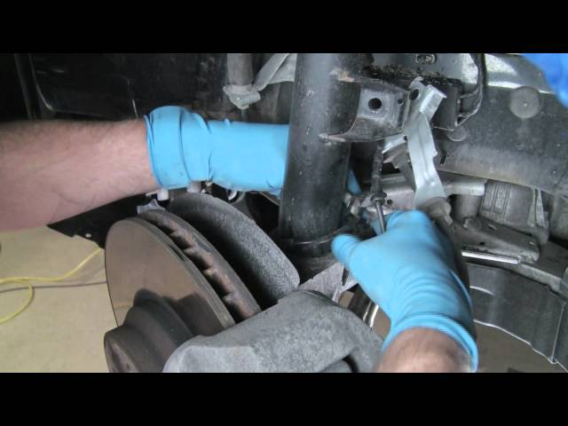 Part 1: Installing shocks and struts on a BMW 3 series 06 ...