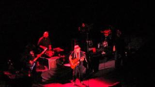 Watch Willie Nelson London video