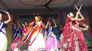 download lagu Radha Kese Na Jale Dance From Adarsh Gyan Sarover gratis