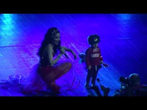 Natalia Oreiro and Merlín in Moscow 10.12.2013 Me Muero De Amor