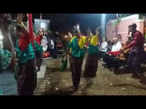 Tarian Hegong Maumere Sikka, Nusa Tenggara Timur pada Acara Komuni Pertama di Kalimalang - Bekasi