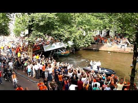 netherlands' world cup team back home.mov