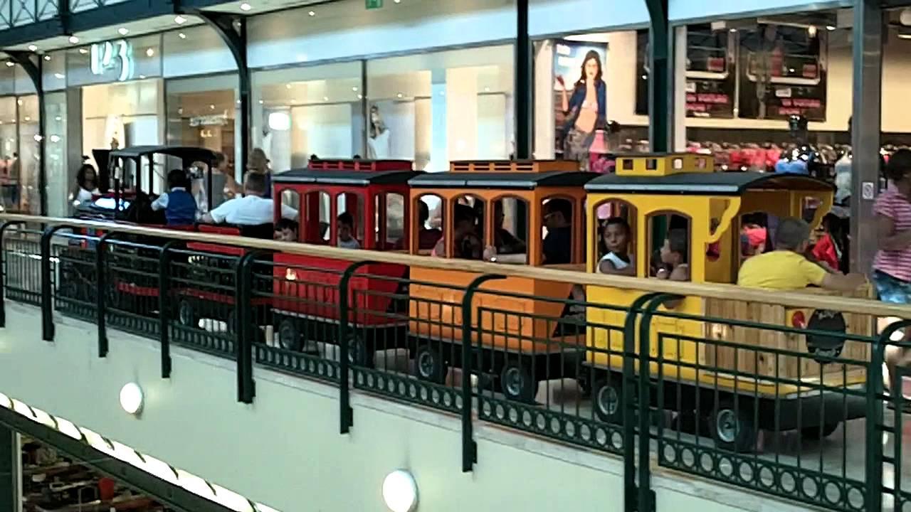 train miniature disneyland paris centre commercial val d. Black Bedroom Furniture Sets. Home Design Ideas