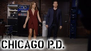 Halstead And Lindsay Go Undercover | Chicago P.D.