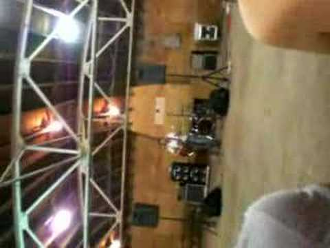 Steve Wagler's live performance!! sorry for the angle. i dont know how to flip it.