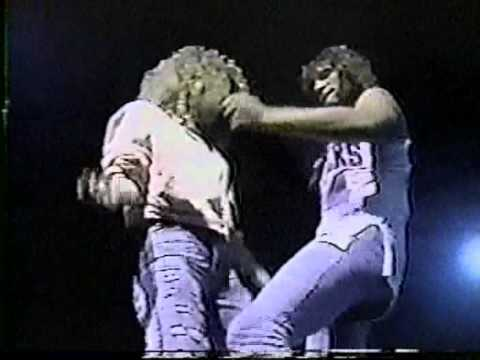 Bon Jovi - Bad Medicine / Shout (Philadelphia 1989)