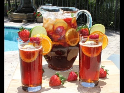 Summer Cocktails and Drink Recipes - Beer Berry Sangria for the Pool and the Beach